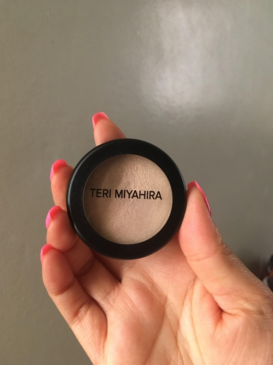 Teri miyahira lucky illuminating powder