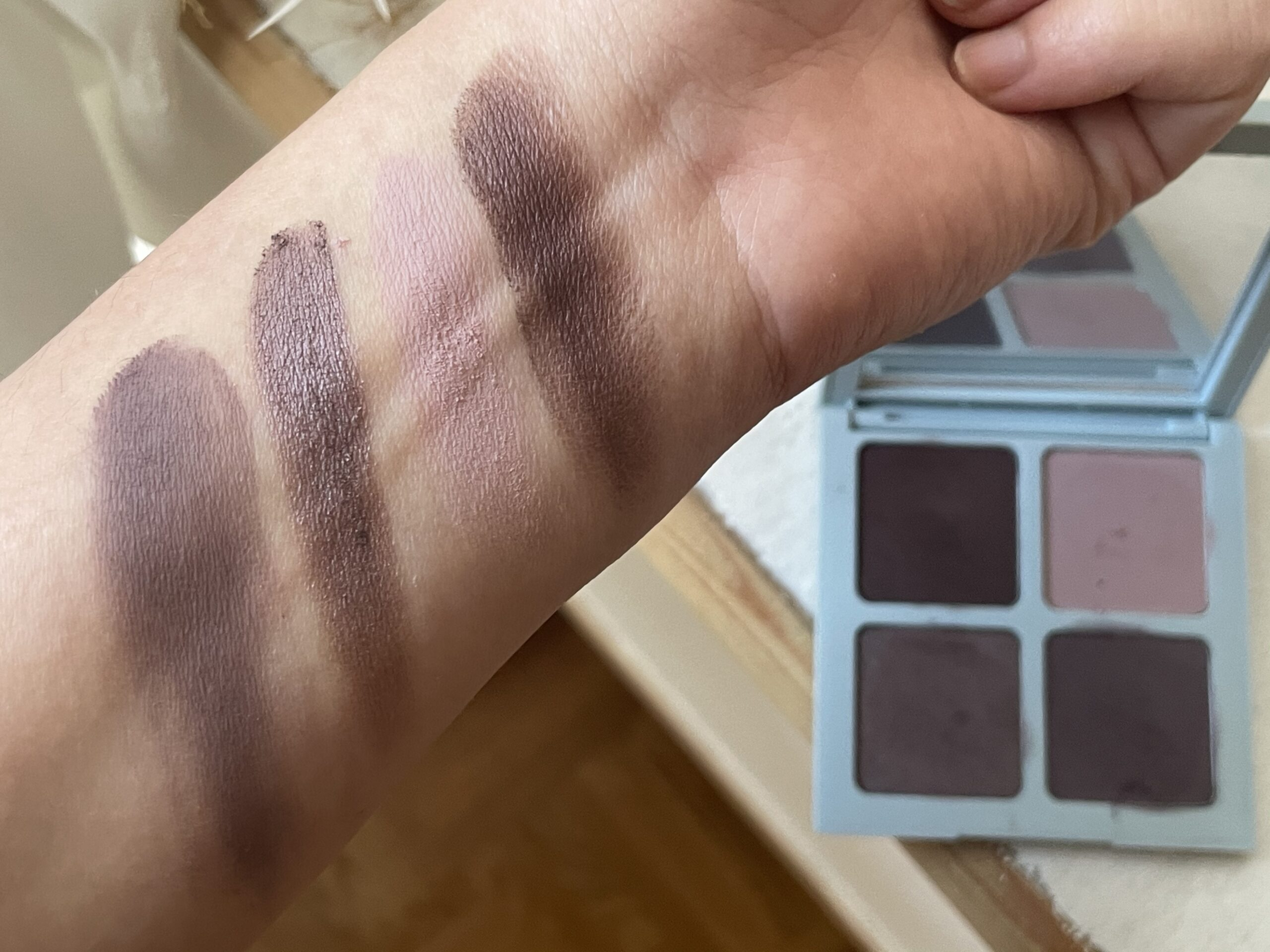 Vapour beauty swatches